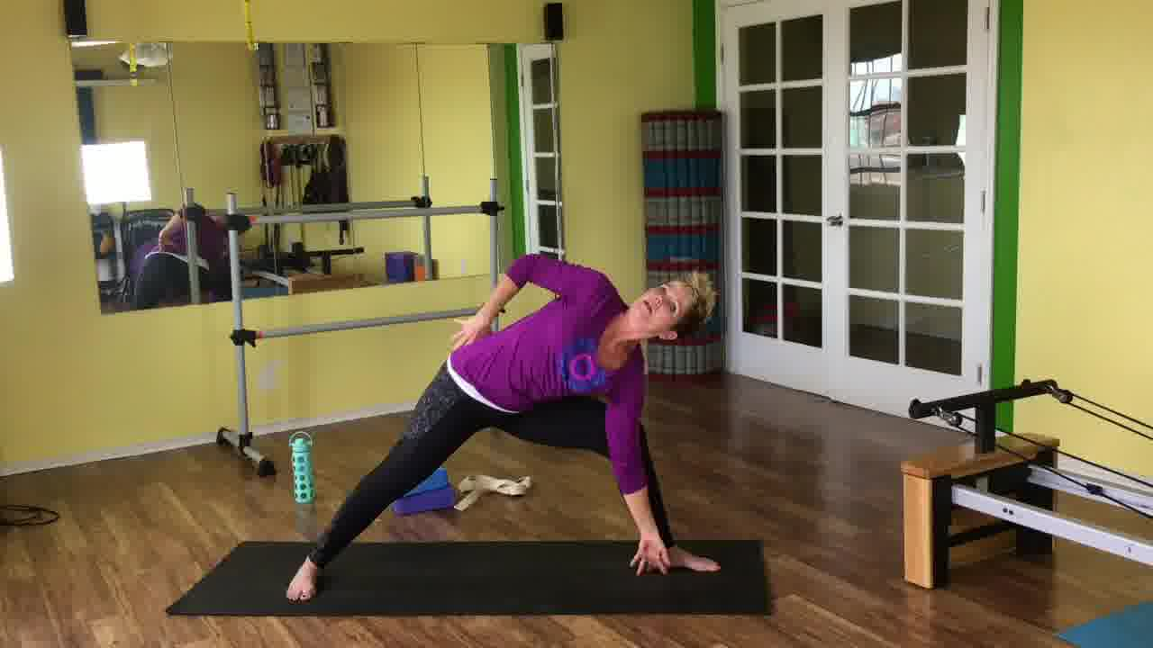 10 minute daily yoga to improve flexibility
