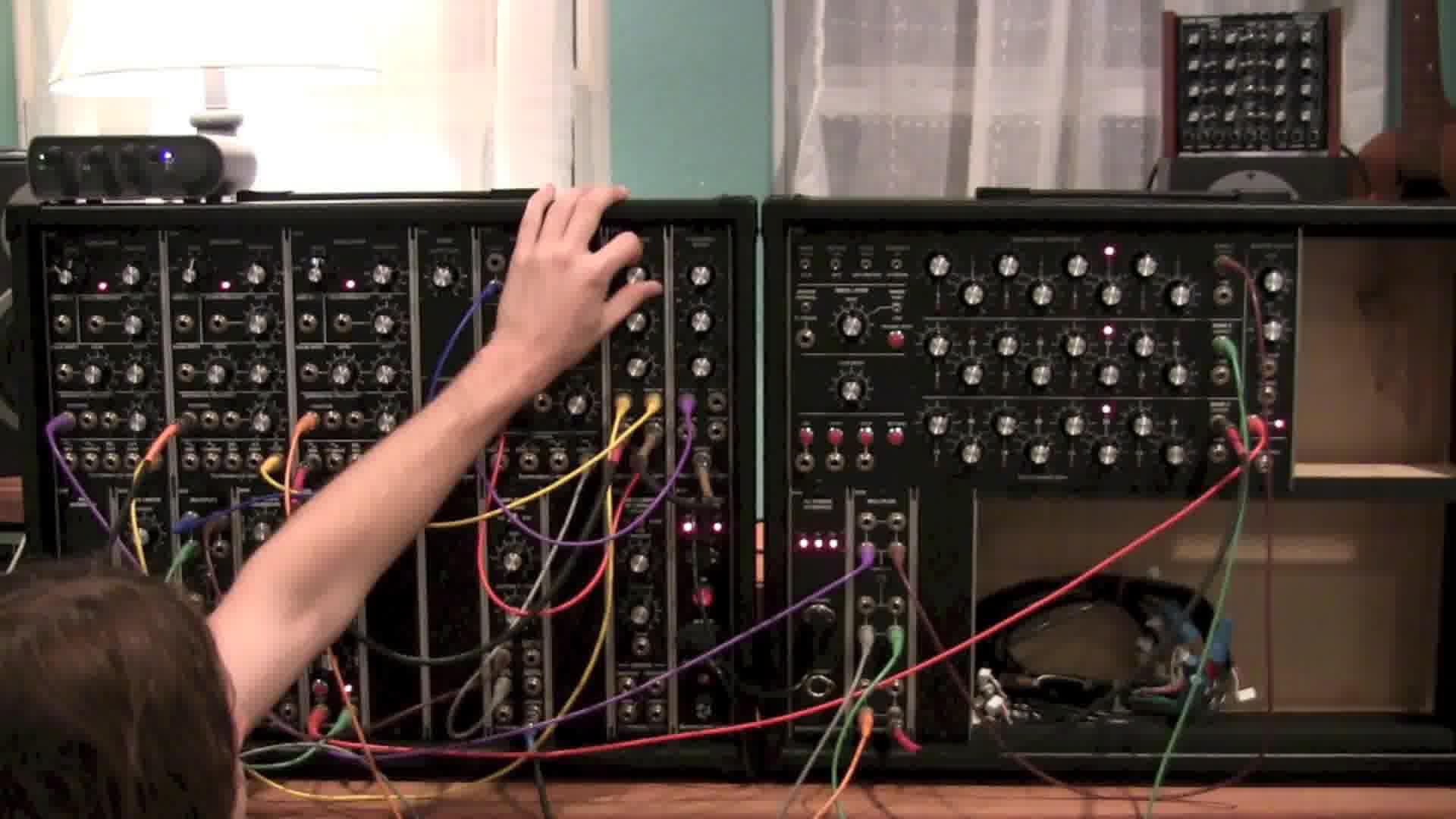 MuchoSuavo Live Modular Syn...